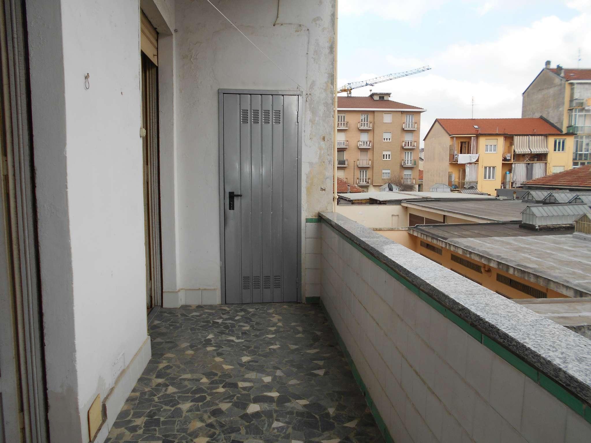 Foto 11 di Trilocale via Valentino Carrera 159, Torino (zona Parella, Pozzo Strada)