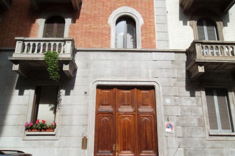 Foto 1 di Bilocale via Saluzzo, Torino (zona Valentino, Italia 61, Nizza Millefonti)