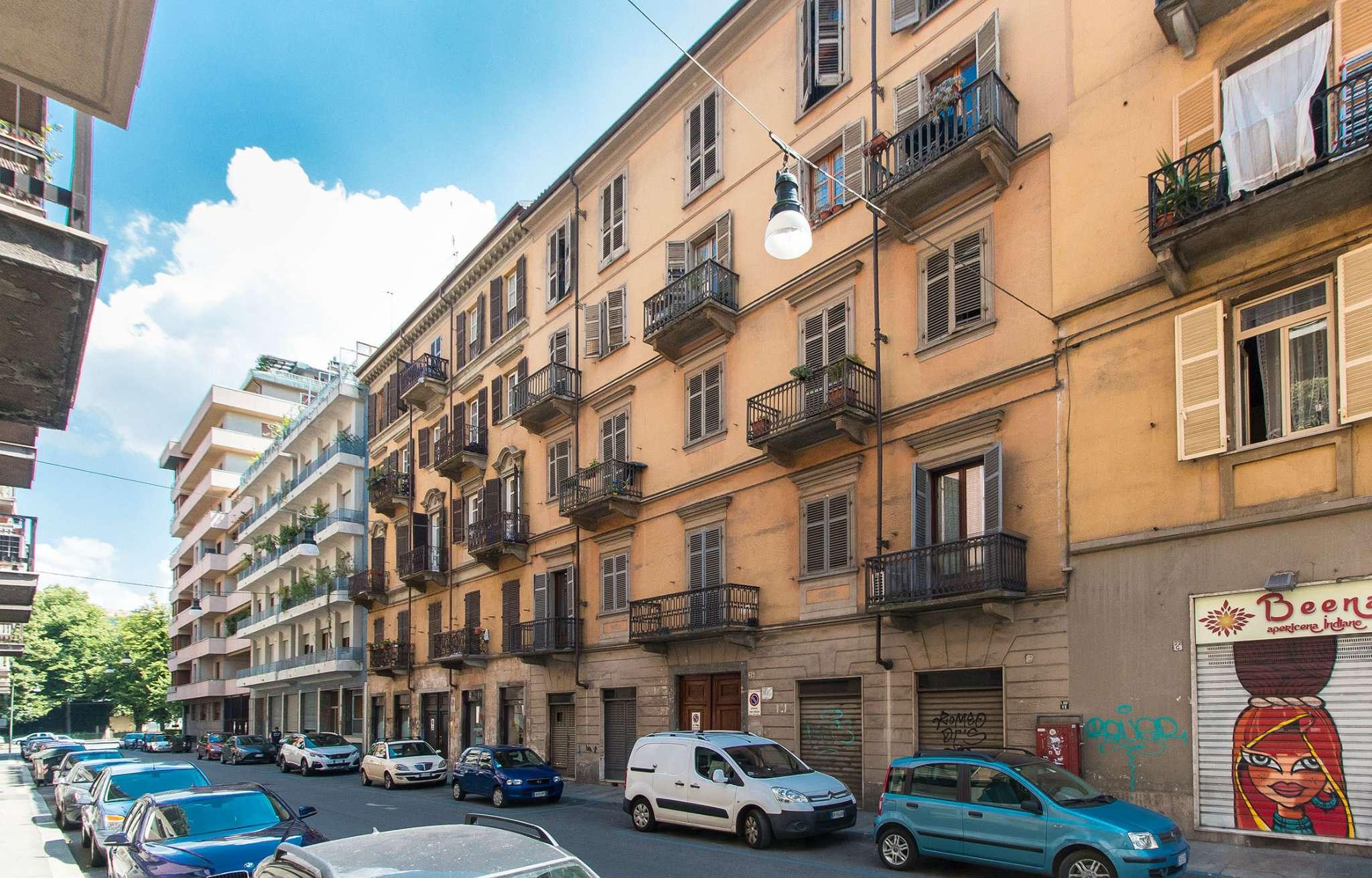 Foto 1 di Bilocale via lombroso 24, Torino (zona San Salvario)
