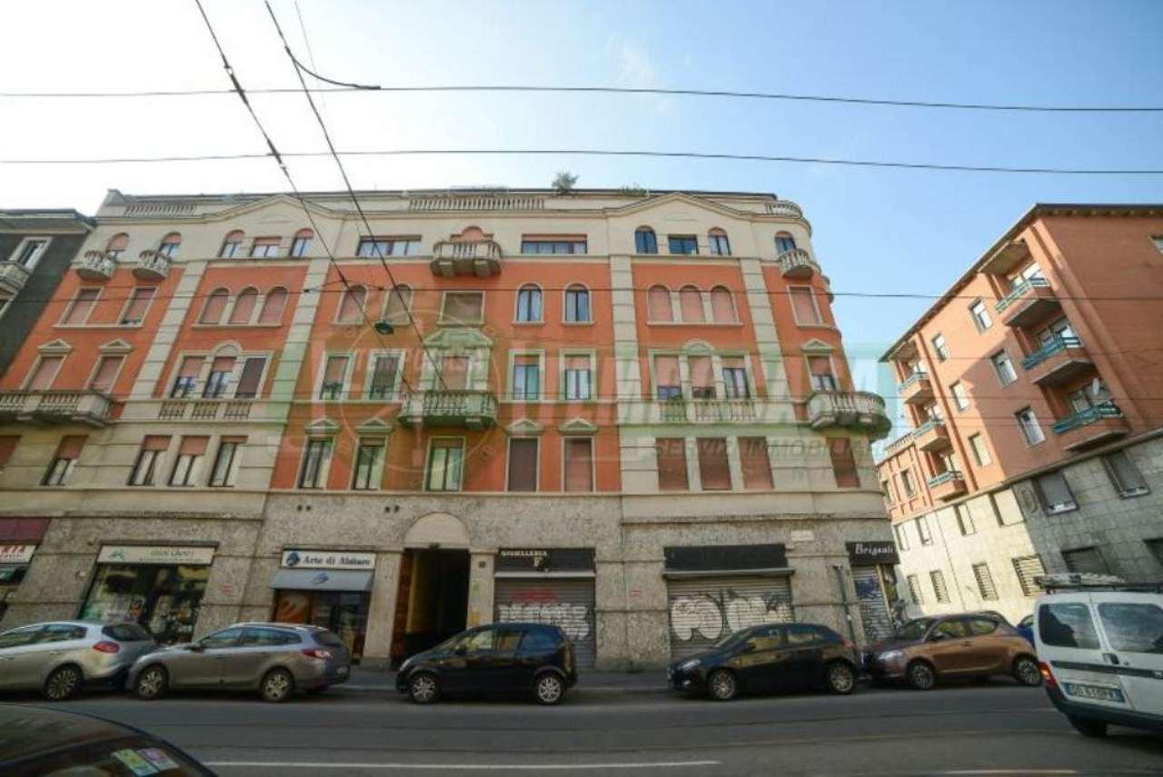 Bilocale Milano Via Imbriani 4
