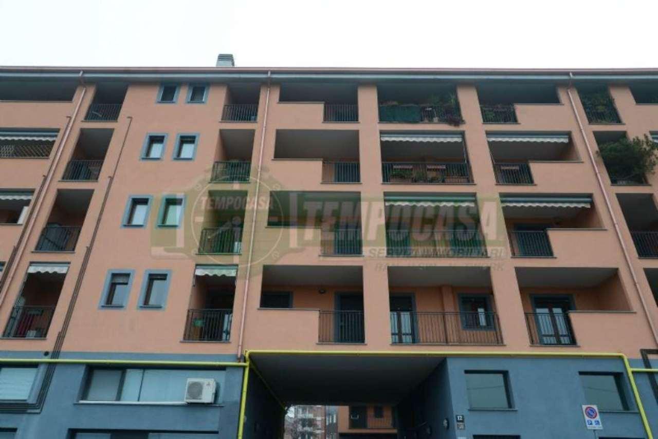 Bilocale Milano Via Colico 2