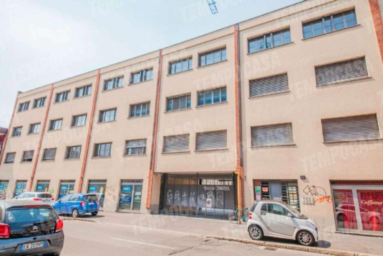 Bilocale Milano Via Cosenz 12
