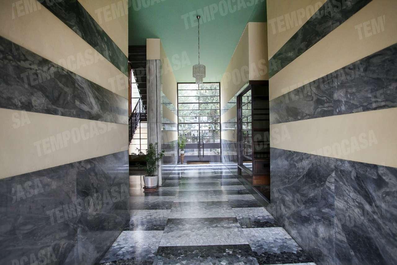 Bilocale Milano Via Catone 2