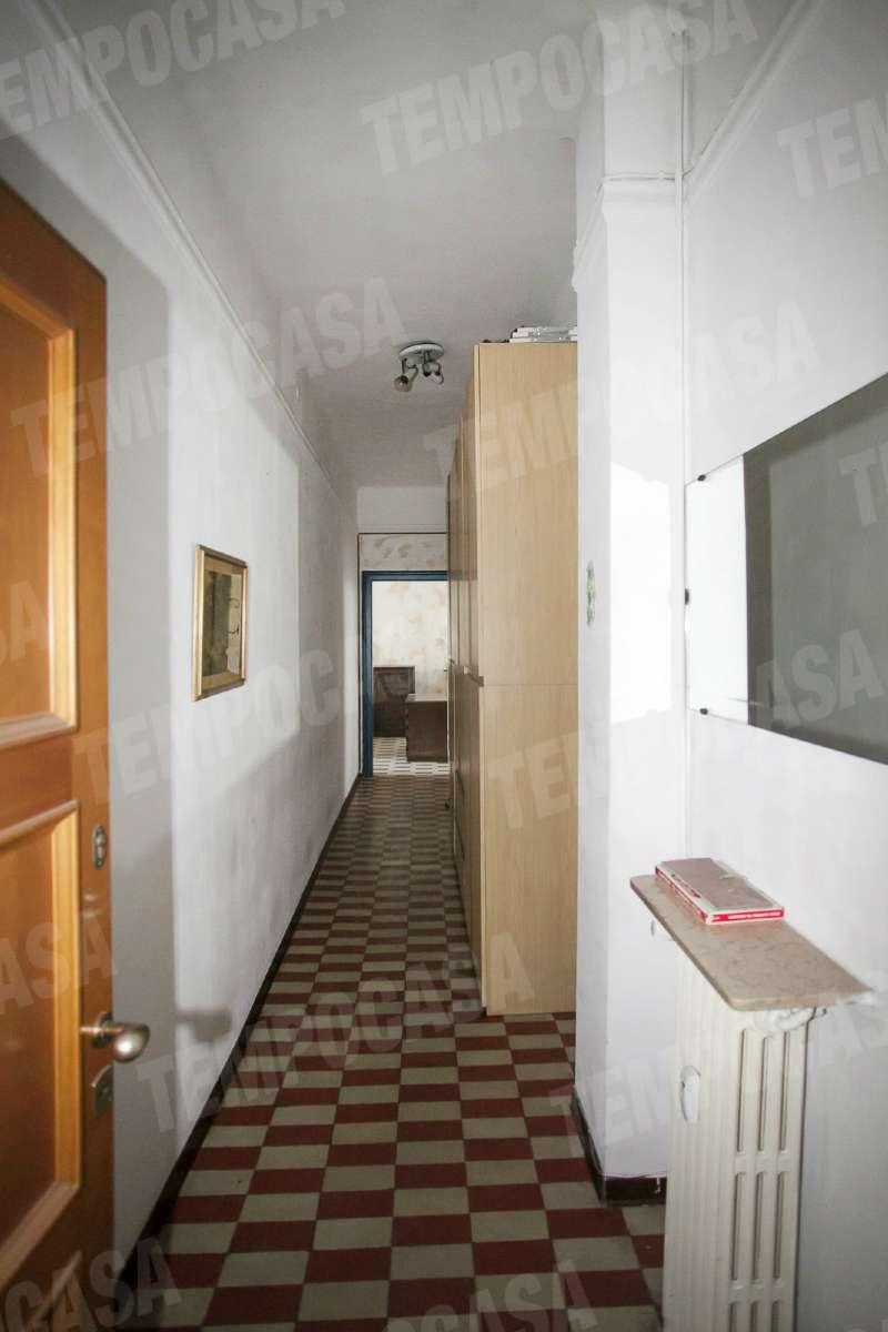 Bilocale Milano Via Catone 9