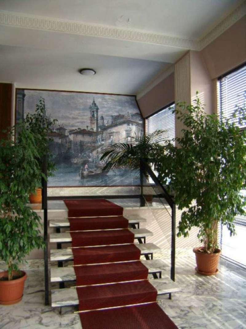Bilocale Milano Viale Padova 4