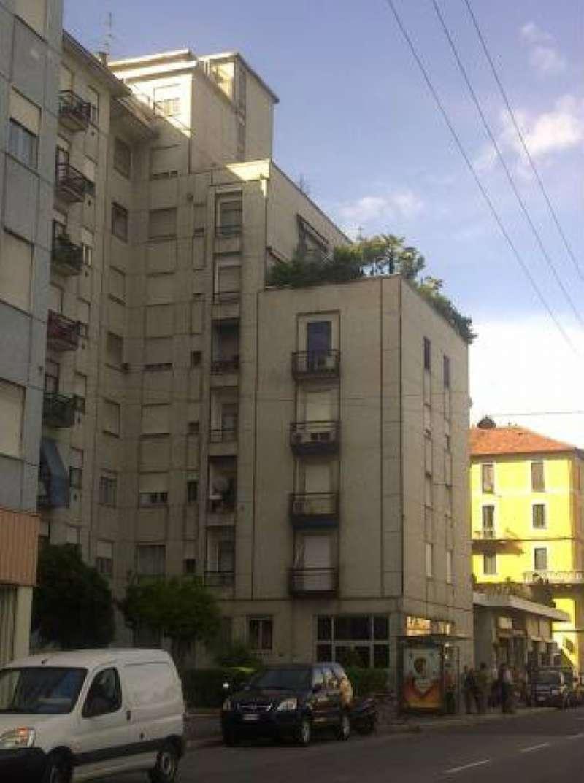 Bilocale Milano Viale Padova 2