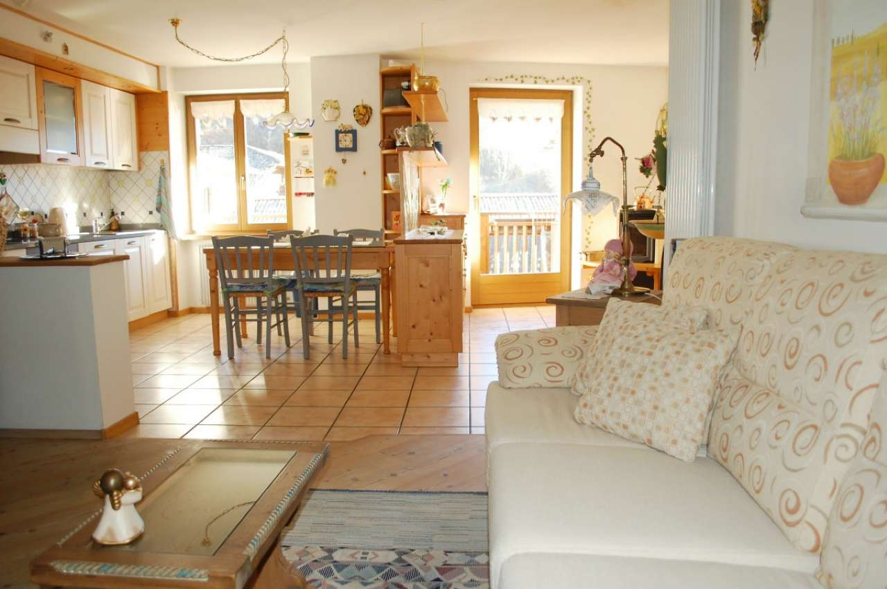 Appartamento in vendita a Cavalese, 3 locali, prezzo € 295.000 | Cambio Casa.it