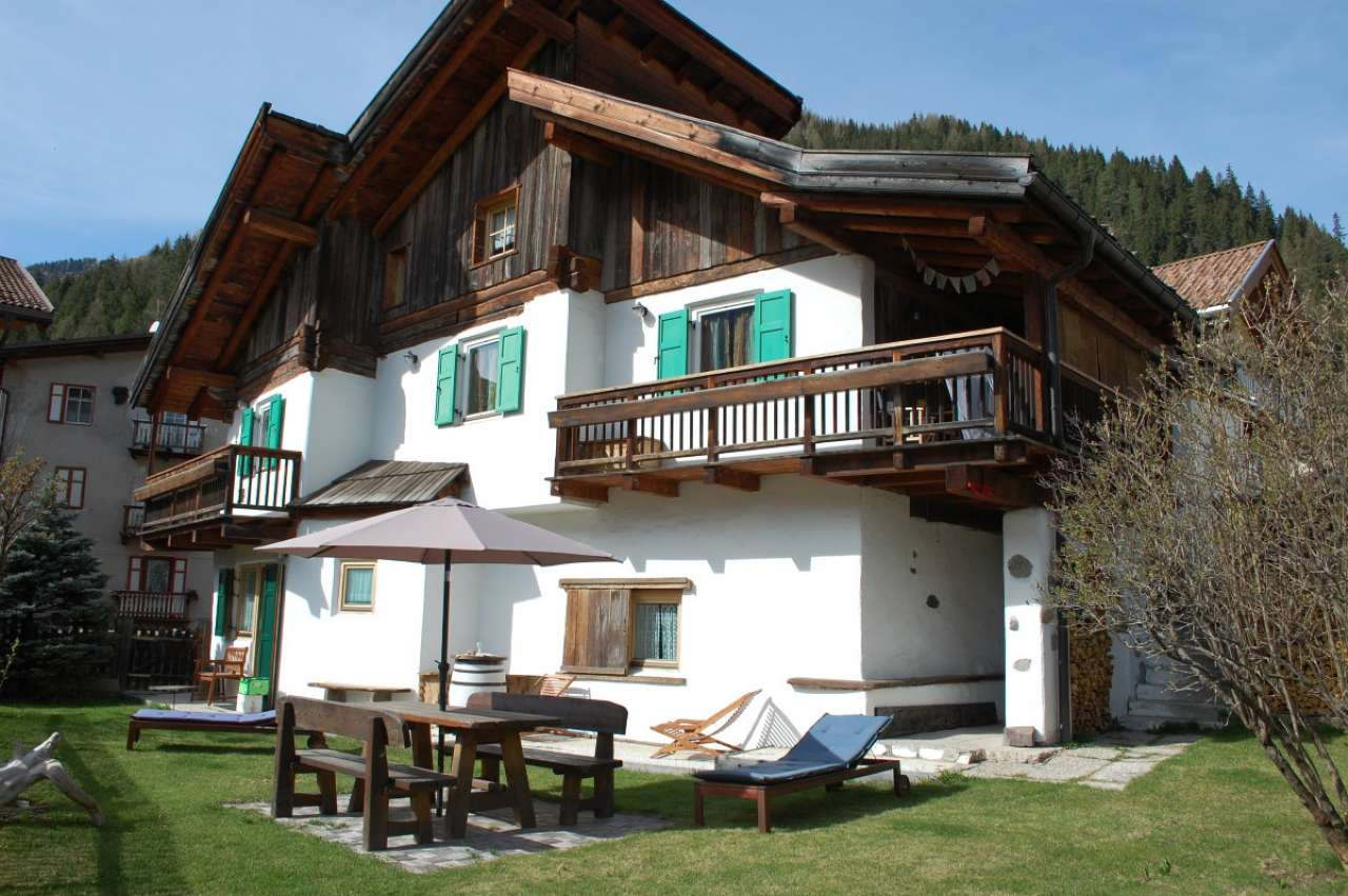 Villa Bifamiliare in vendita a Canazei, 5 locali, Trattative riservate | CambioCasa.it