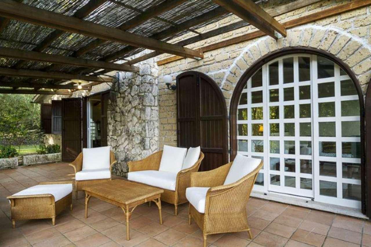 Villa in vendita a Orte, 9999 locali, prezzo € 550.000 | Cambio Casa.it