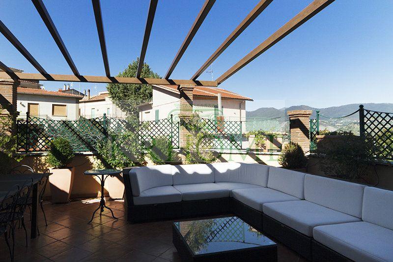 Palazzo / Stabile in vendita a Castelnuovo di Farfa, 10 locali, prezzo € 1.200.000 | CambioCasa.it