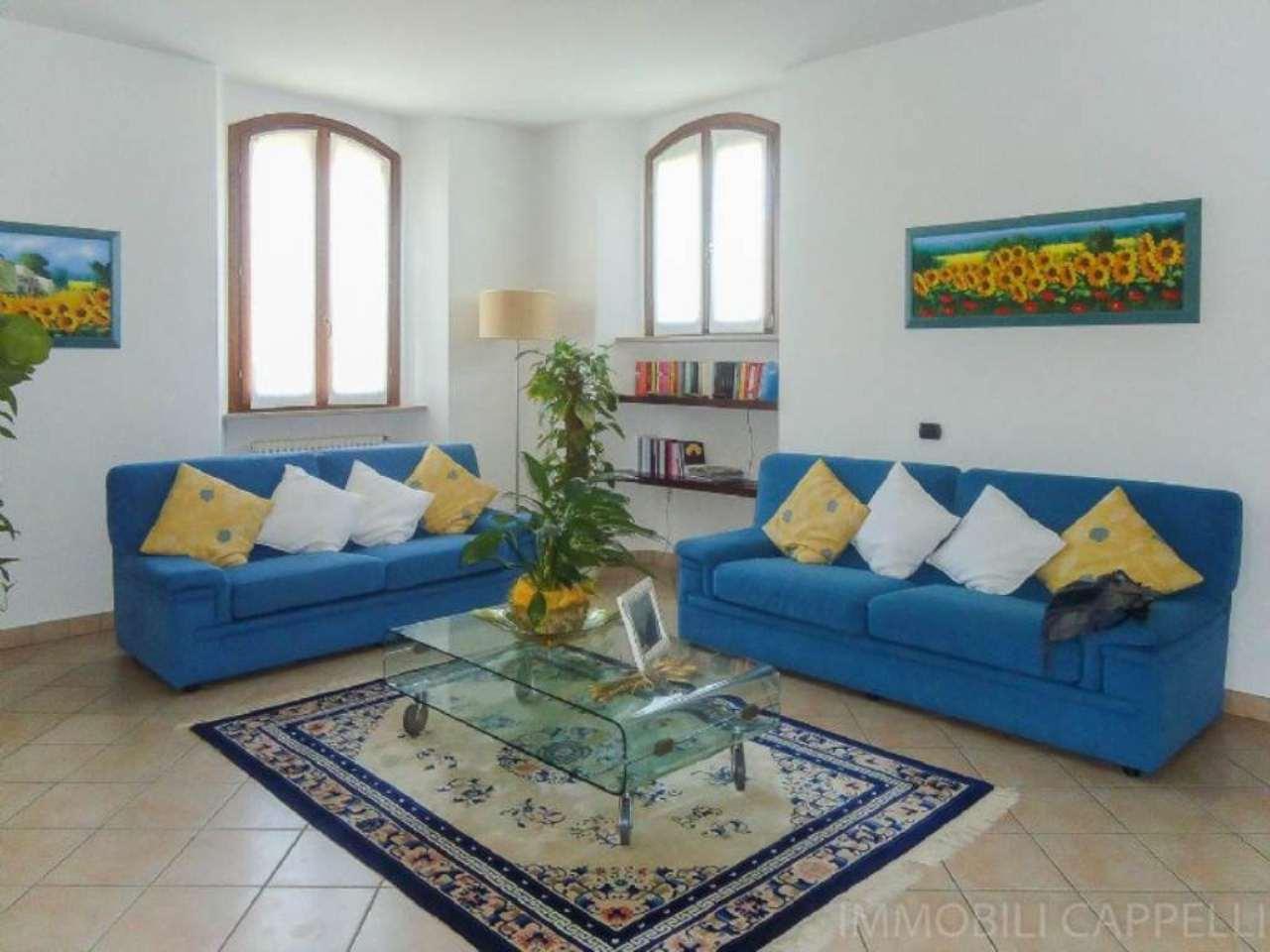 Appartamento in vendita a Cesena, 6 locali, prezzo € 219.000 | CambioCasa.it