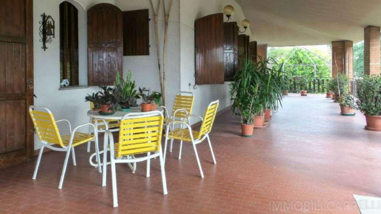 Soluzione Indipendente in vendita a Cesena, 12 locali, Trattative riservate | CambioCasa.it