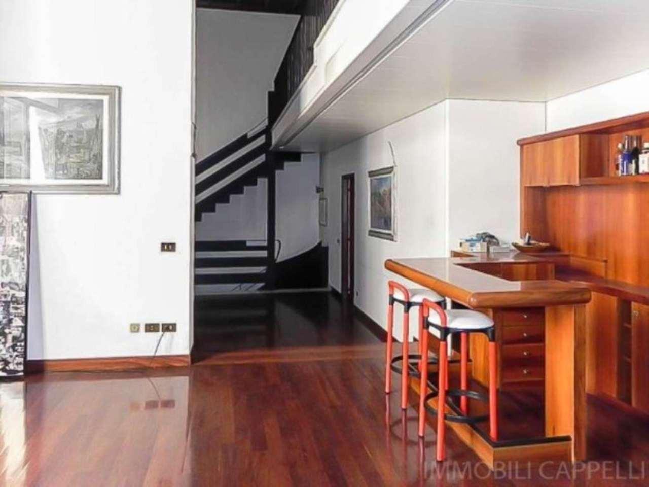 Palazzo / Stabile in vendita a Cesena, 6 locali, Trattative riservate | CambioCasa.it
