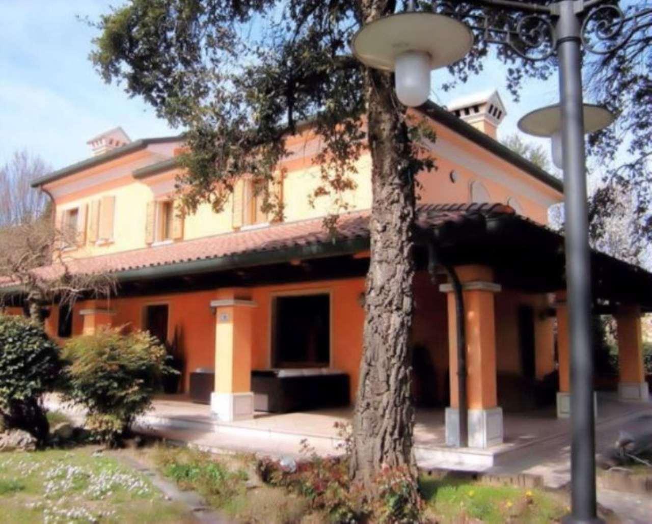 Villa in vendita a Cesenatico, 6 locali, prezzo € 890.000 | CambioCasa.it