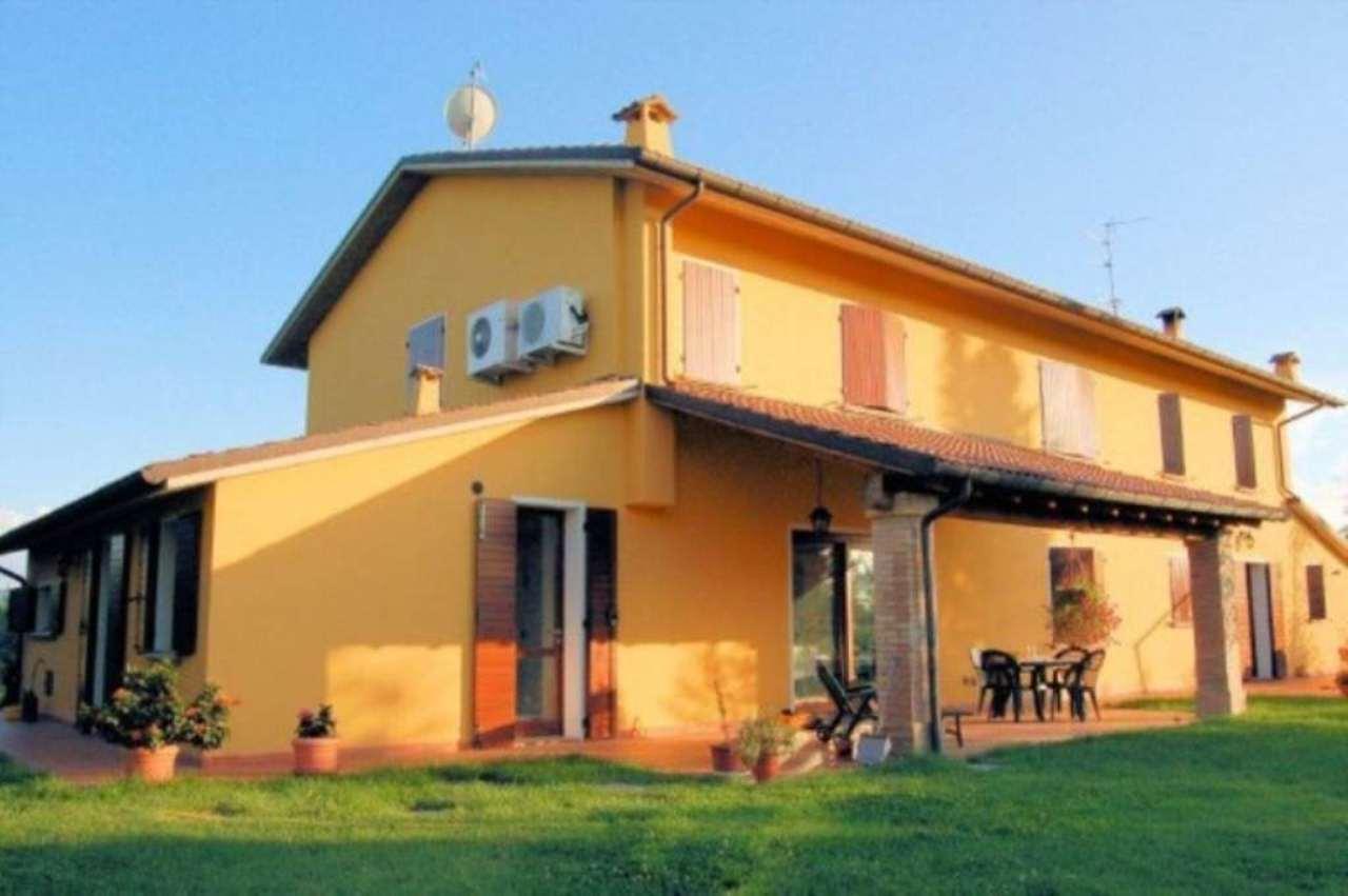 Villa in vendita a Bertinoro, 6 locali, prezzo € 750.000 | CambioCasa.it