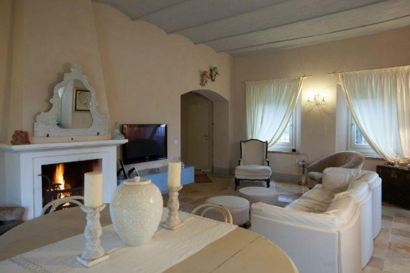 Villa in vendita a Cesena, 8 locali, Trattative riservate | CambioCasa.it