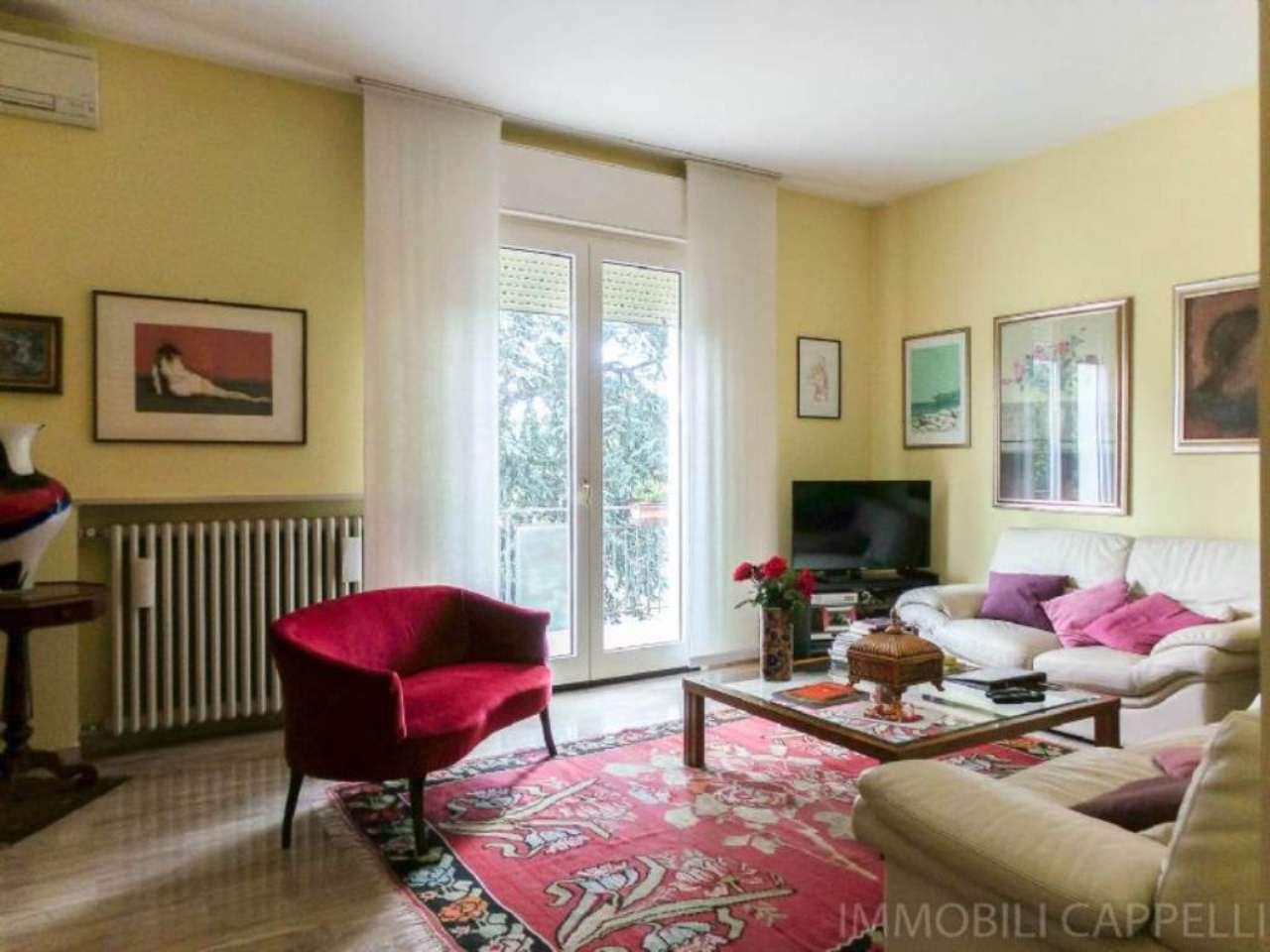 Appartamento in vendita a Cesena, 8 locali, prezzo € 255.000 | CambioCasa.it