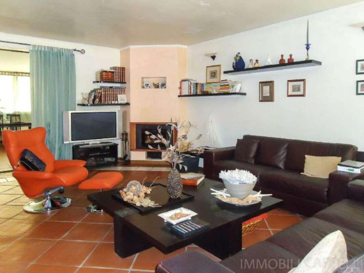 Soluzione Indipendente in vendita a Cesena, 13 locali, prezzo € 365.000 | CambioCasa.it