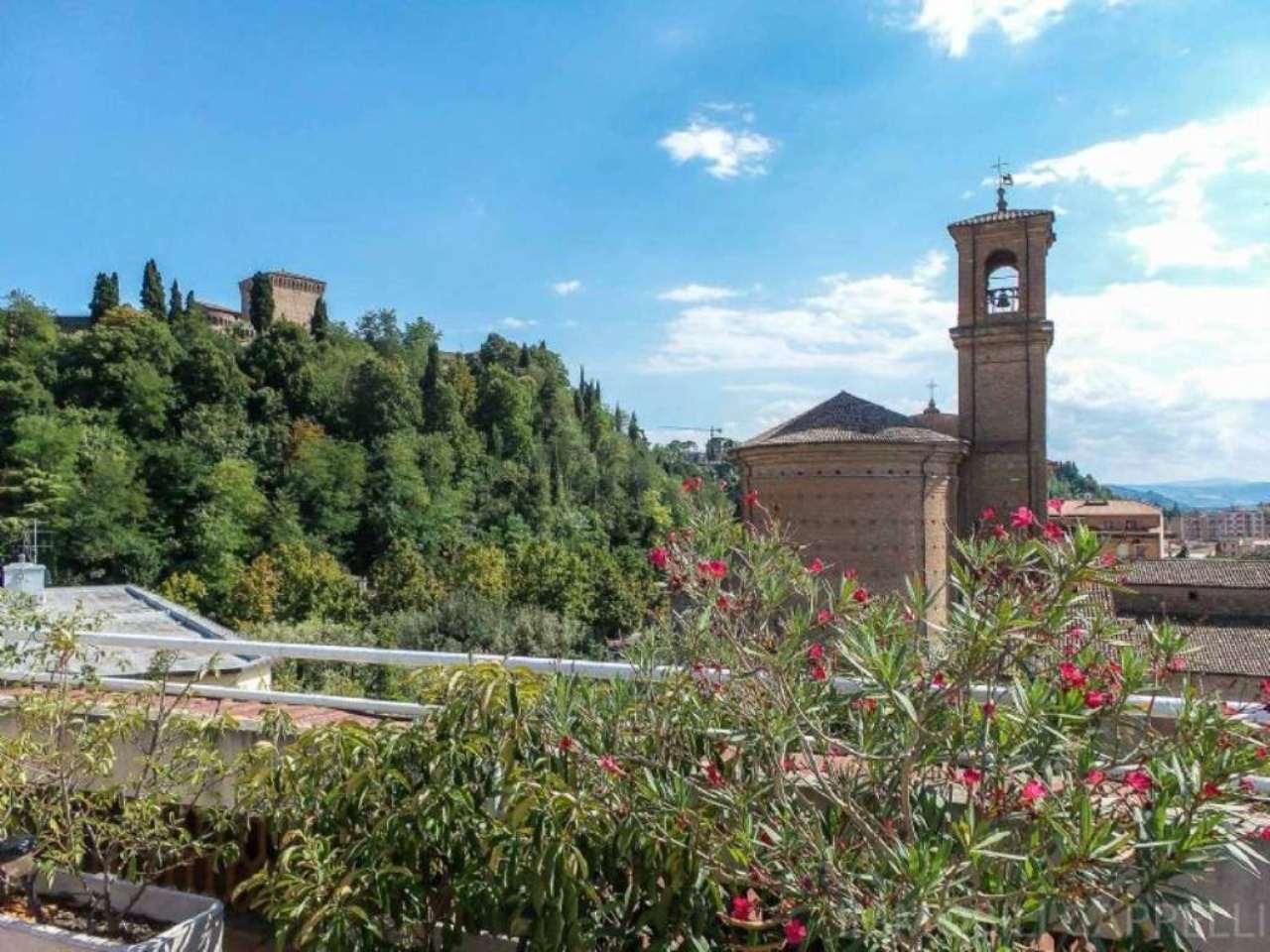 Attico / Mansarda in vendita a Cesena, 6 locali, Trattative riservate | CambioCasa.it