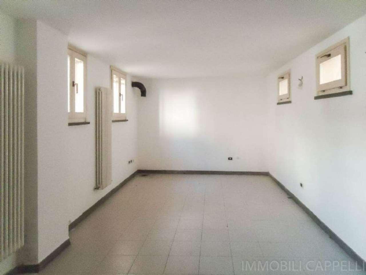 Appartamento in vendita a Cesena, 3 locali, prezzo € 138.000 | CambioCasa.it