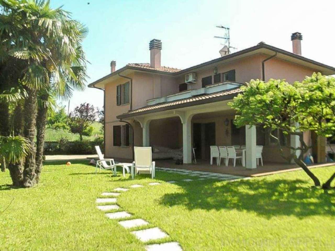Villa in vendita a Bertinoro, 7 locali, prezzo € 495.000 | CambioCasa.it