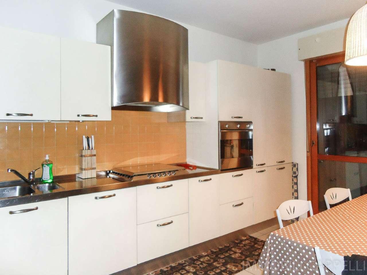Appartamento in vendita a Cesena, 3 locali, prezzo € 200.000 | CambioCasa.it