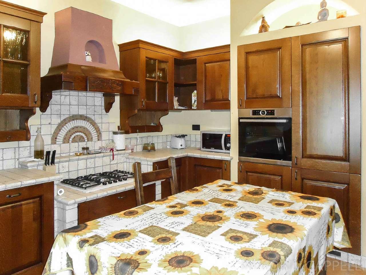 Villa Bifamiliare in vendita a Roncofreddo, 7 locali, prezzo € 245.000 | CambioCasa.it