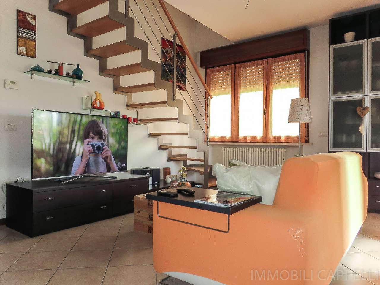 Appartamento in vendita a Forlimpopoli, 5 locali, prezzo € 185.000 | CambioCasa.it