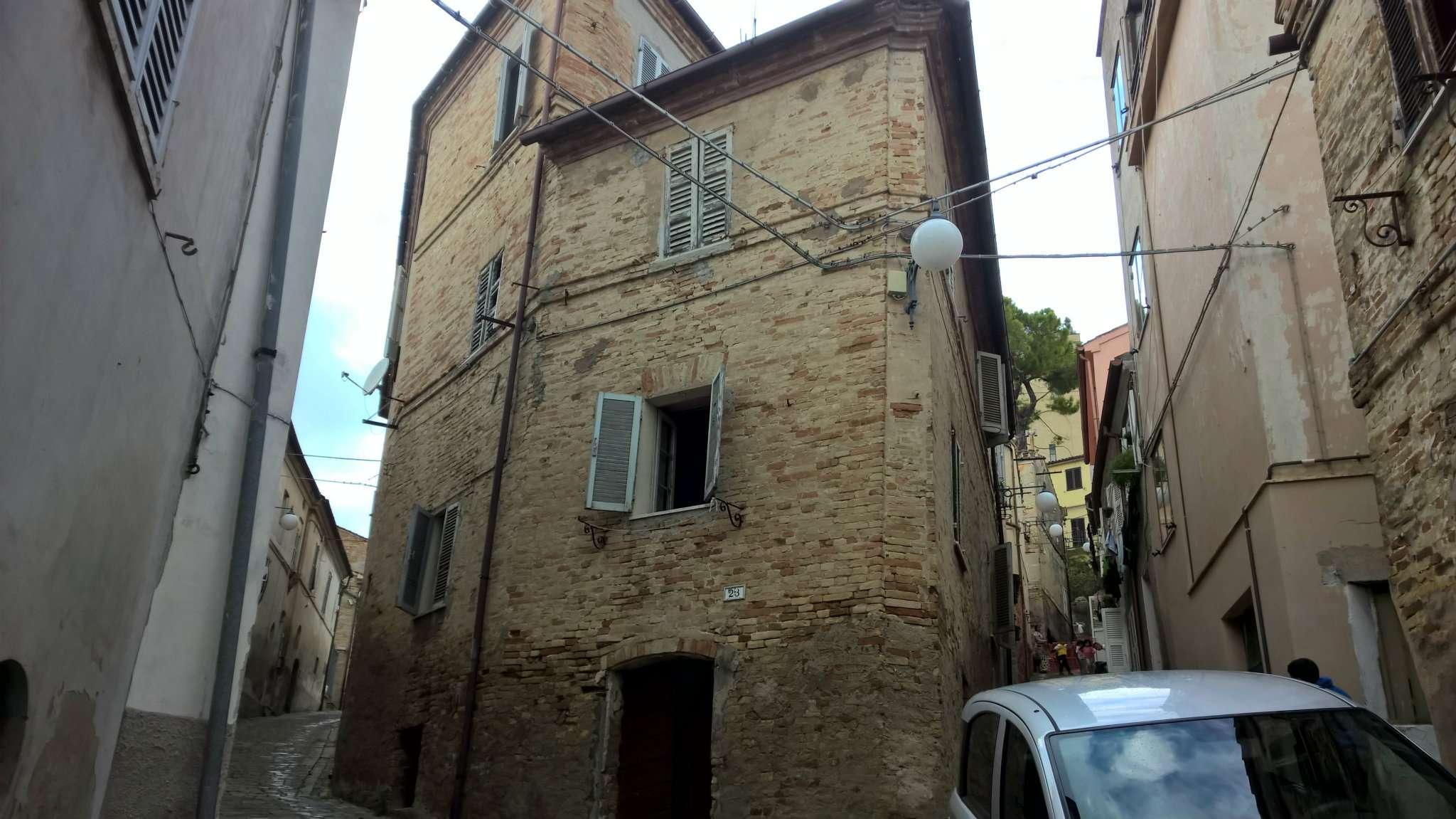 Palazzo / Stabile in vendita a Montegranaro, 9999 locali, prezzo € 38.000 | CambioCasa.it