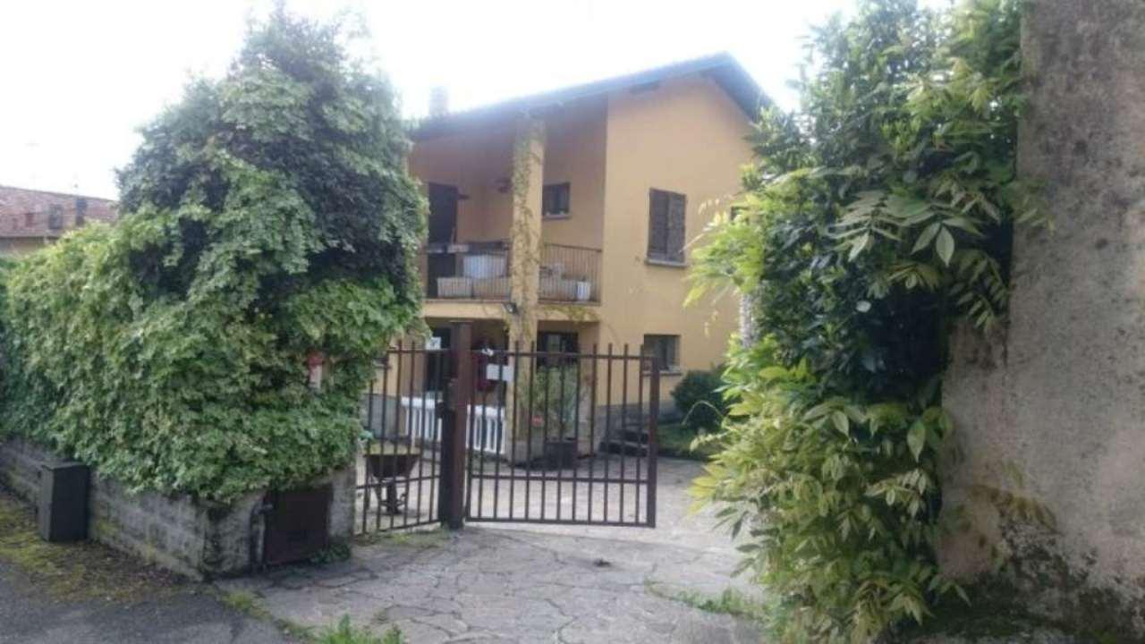 Villa in vendita a Airuno, 5 locali, prezzo € 235.000 | Cambio Casa.it
