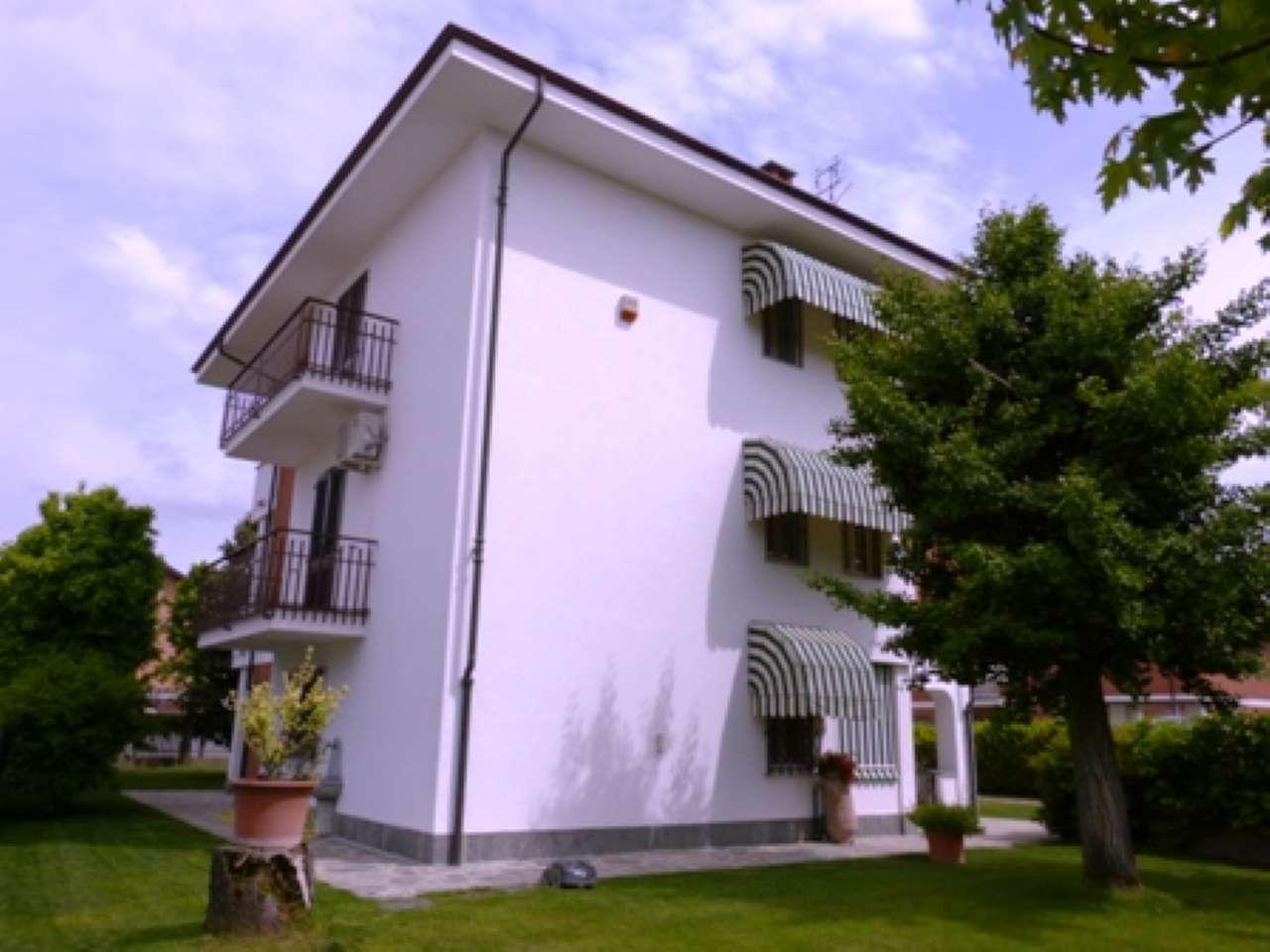 Foto 1 di Casa indipendente Genola