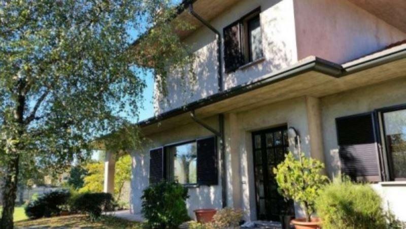 Villa in vendita a Parabiago, 6 locali, prezzo € 750.000 | Cambio Casa.it