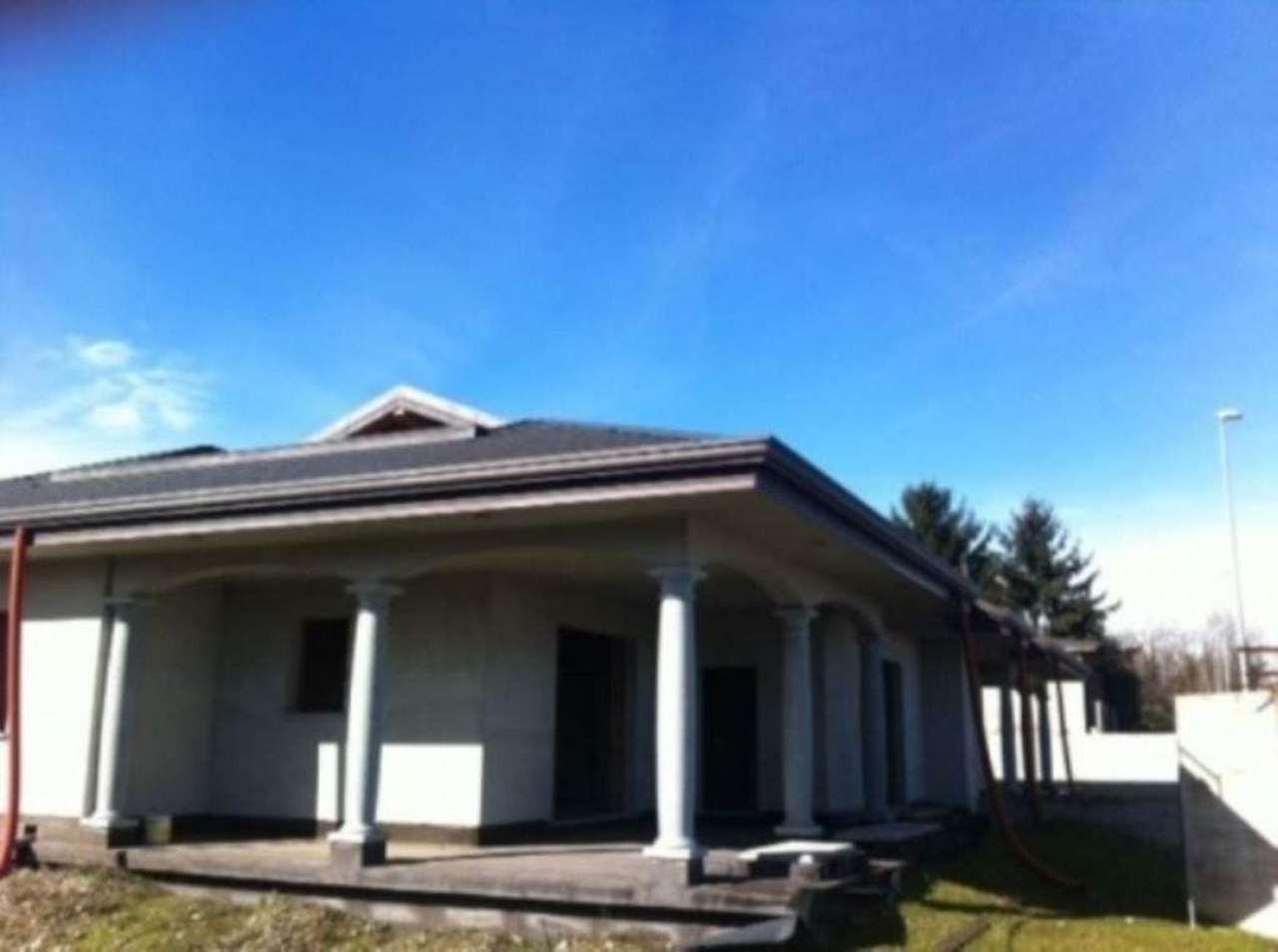 Villa in vendita a Villa Cortese, 6 locali, prezzo € 380.000 | Cambio Casa.it