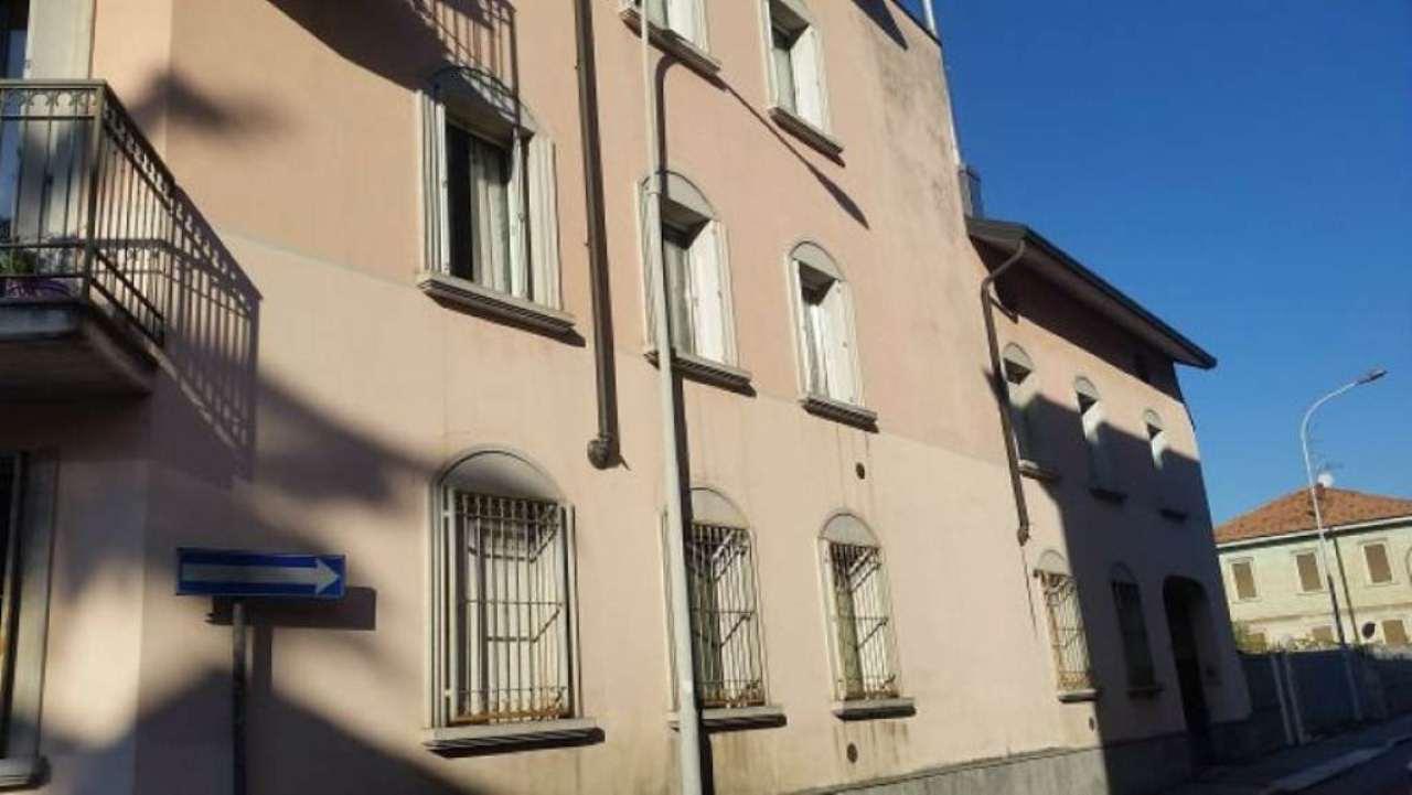 Bilocale Legnano Via Genova 1