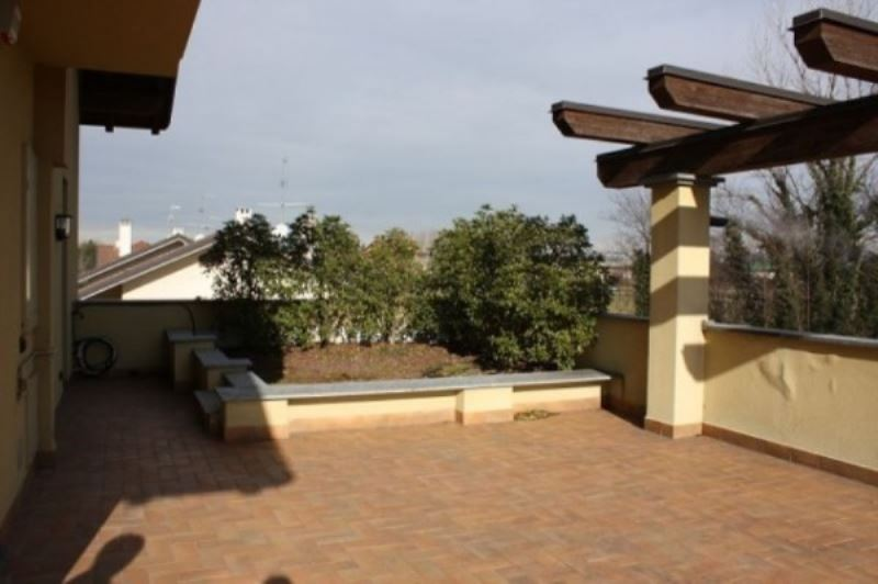Attico / Mansarda in affitto a Parabiago, 3 locali, prezzo € 1.100 | Cambio Casa.it