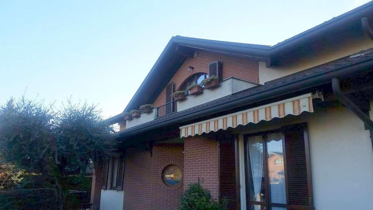 Villa in vendita a Olgiate Olona, 5 locali, prezzo € 498.000 | Cambio Casa.it