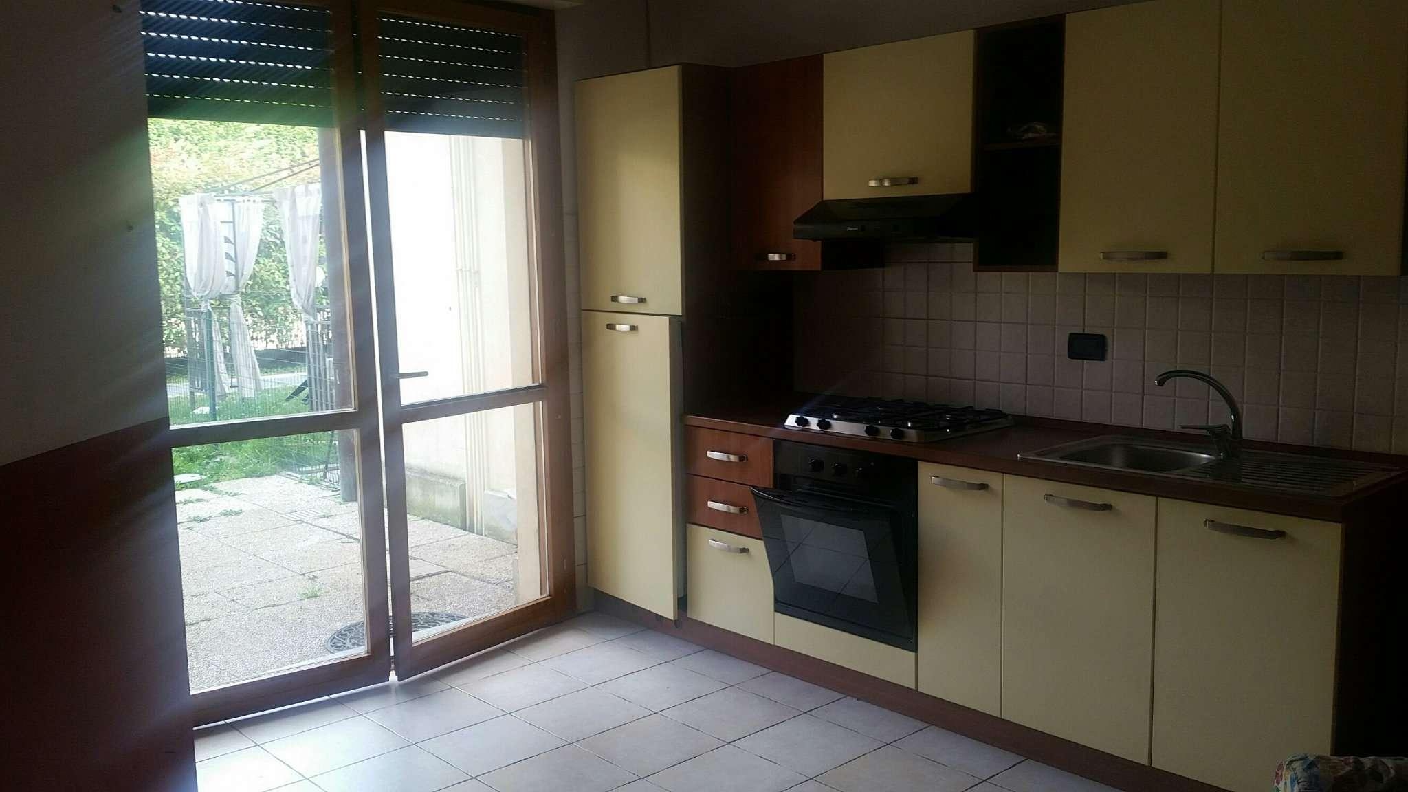 Appartamento in vendita a Dairago, 2 locali, prezzo € 82.000   Cambio Casa.it