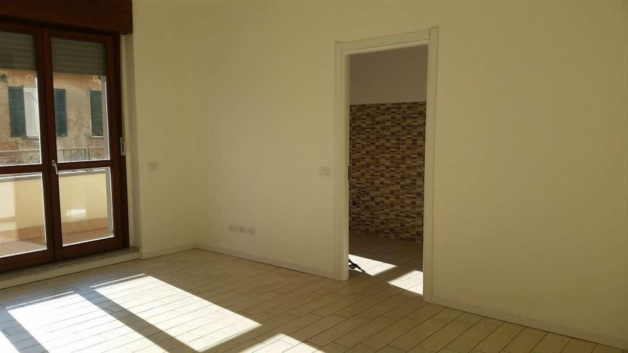 Appartamento in vendita a San Giorgio su Legnano, 3 locali, prezzo € 186.000   Cambio Casa.it