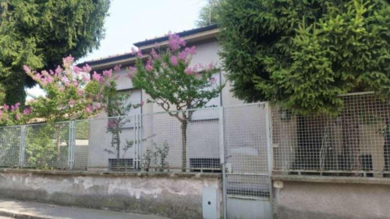 Villa in vendita a San Giorgio su Legnano, 6 locali, prezzo € 320.000 | Cambio Casa.it