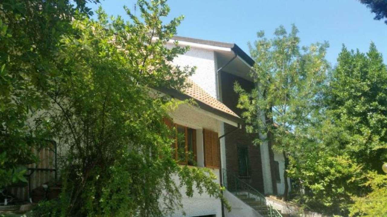 Soluzione Indipendente in vendita a Coriano, 6 locali, prezzo € 480.000 | Cambio Casa.it