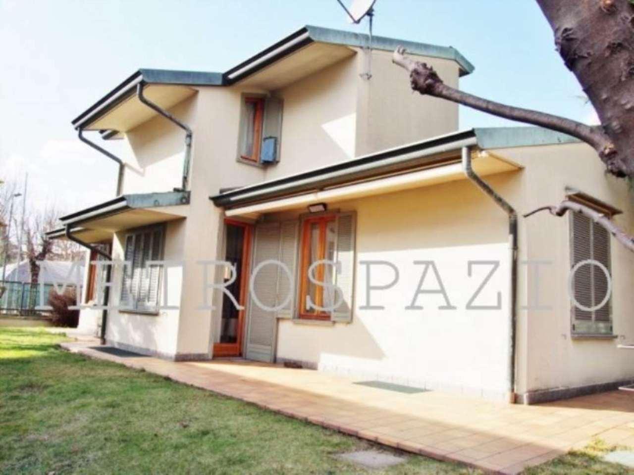 Villa in vendita a Bovisio Masciago, 5 locali, Trattative riservate | Cambio Casa.it