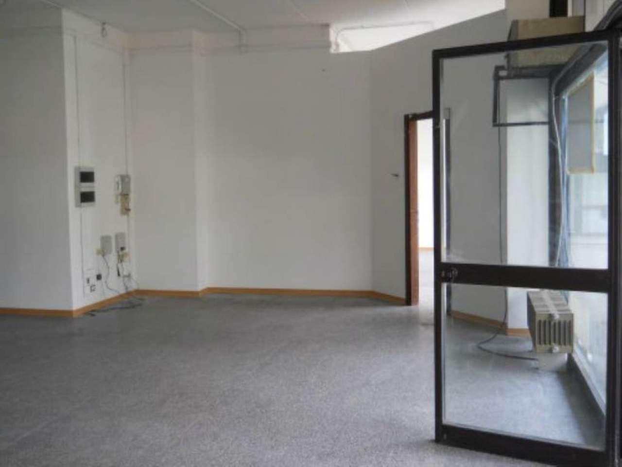 Negozio / Locale in affitto a Rezzato, 9999 locali, prezzo € 600 | Cambio Casa.it