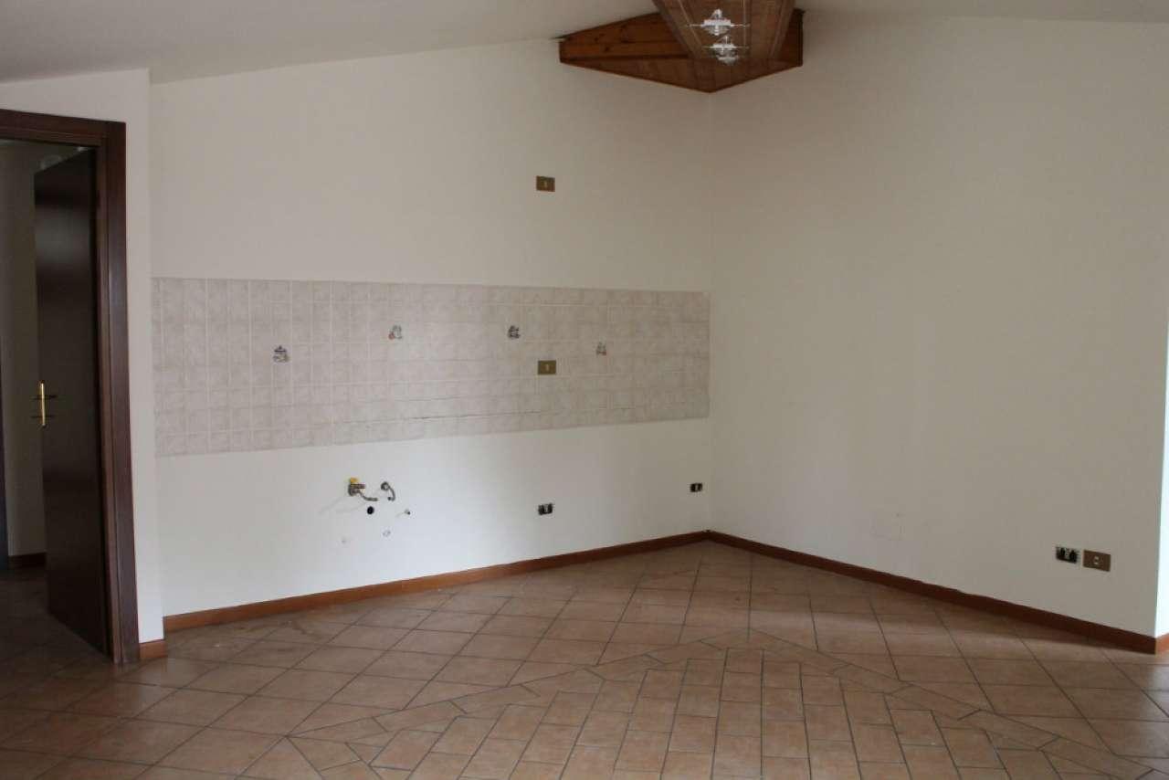 Appartamento in affitto a Mazzano, 2 locali, prezzo € 380 | Cambio Casa.it
