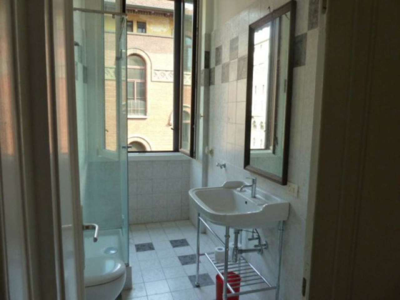 Bilocale Milano Piazza Cincinnato 5