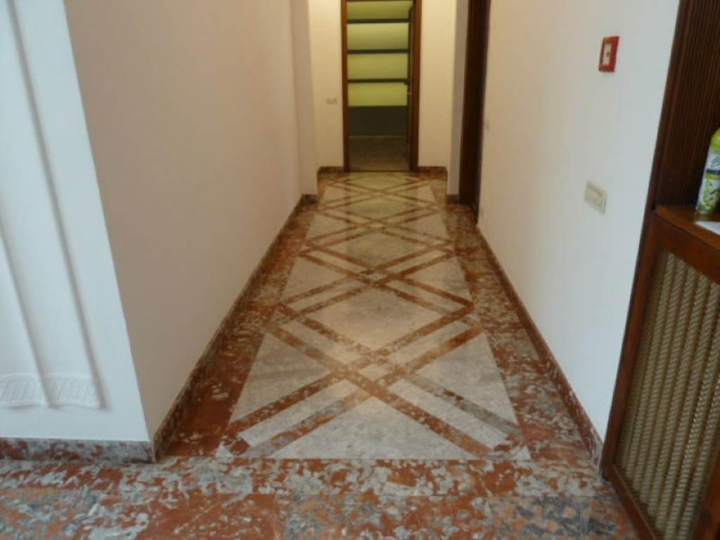 Bilocale Milano Piazzale Susa 4