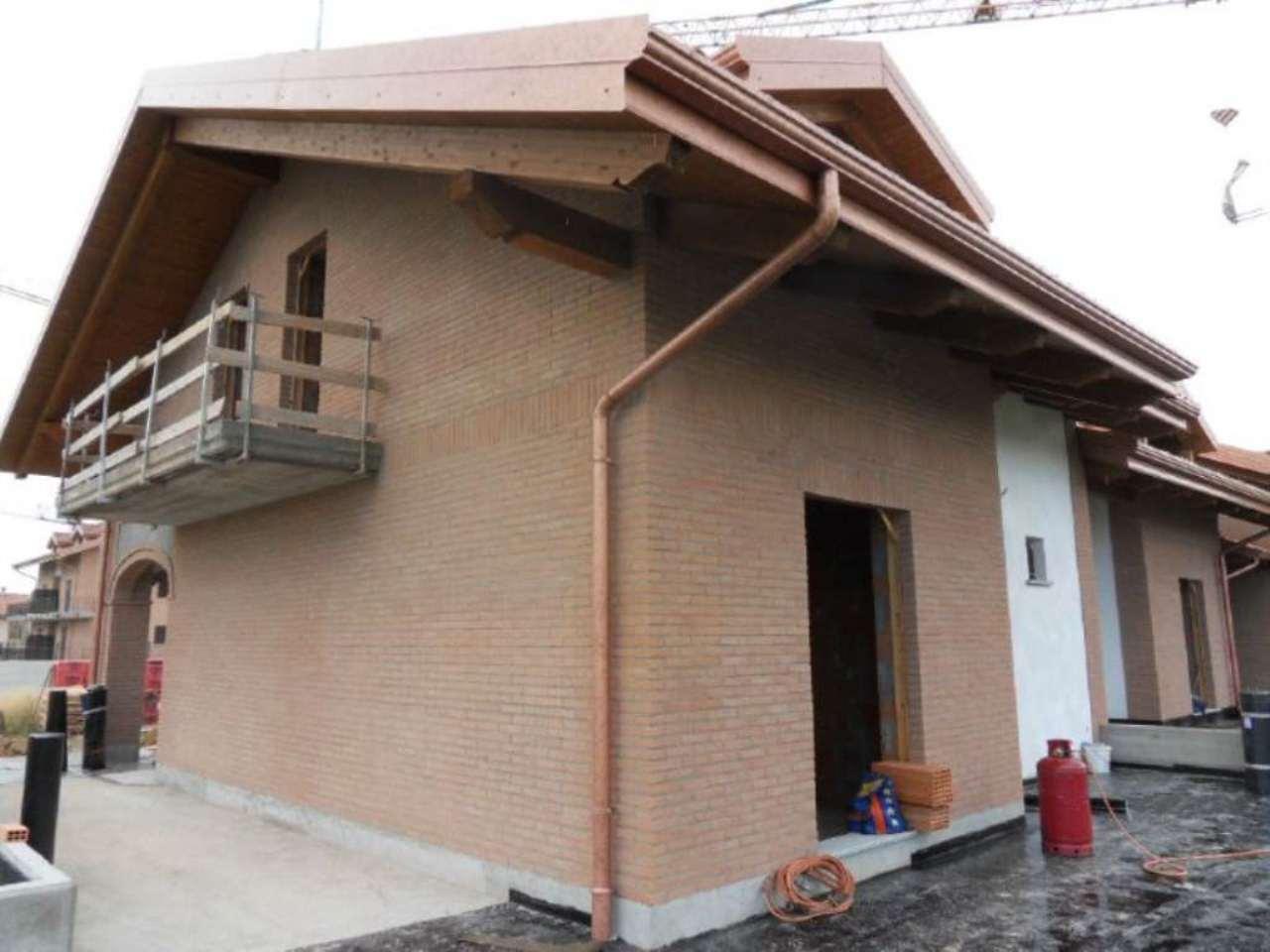 Villa in vendita a Pianezza, 6 locali, prezzo € 440.000   CambioCasa.it