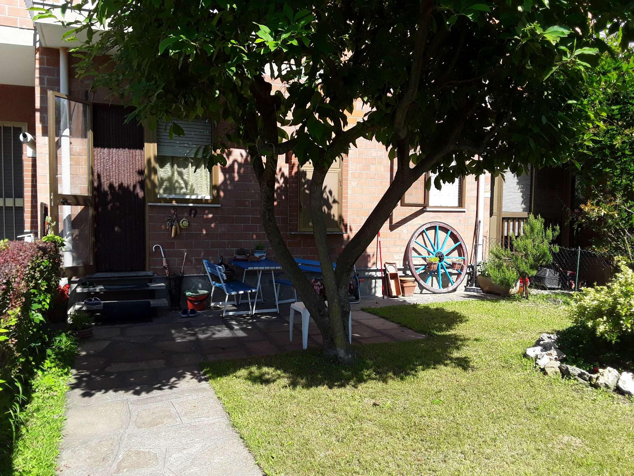 Foto 1 di Villa a Schiera via dei campi sportivi, San Gillio