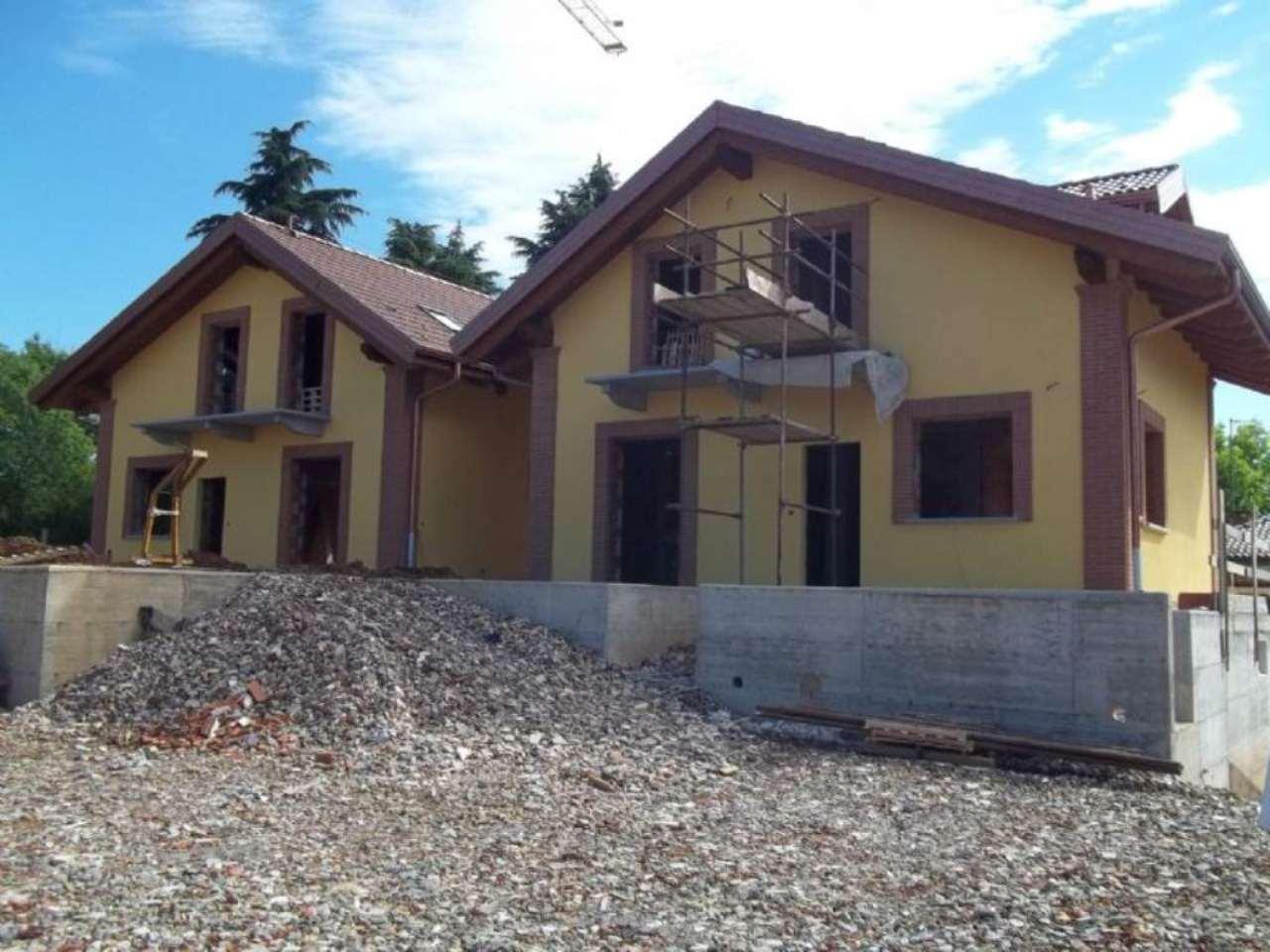 Villa in vendita a Pianezza, 6 locali, prezzo € 490.000   CambioCasa.it