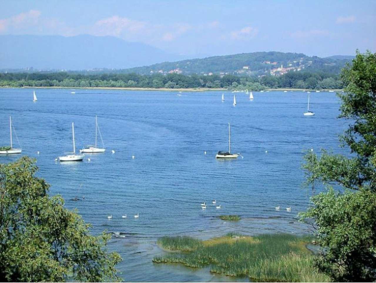Bilocale Arona Via Riviera 3