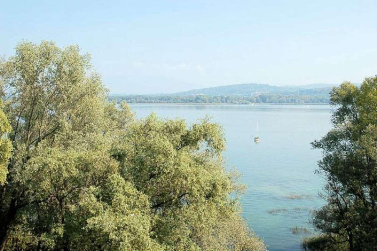 Bilocale Arona Via Riviera 4